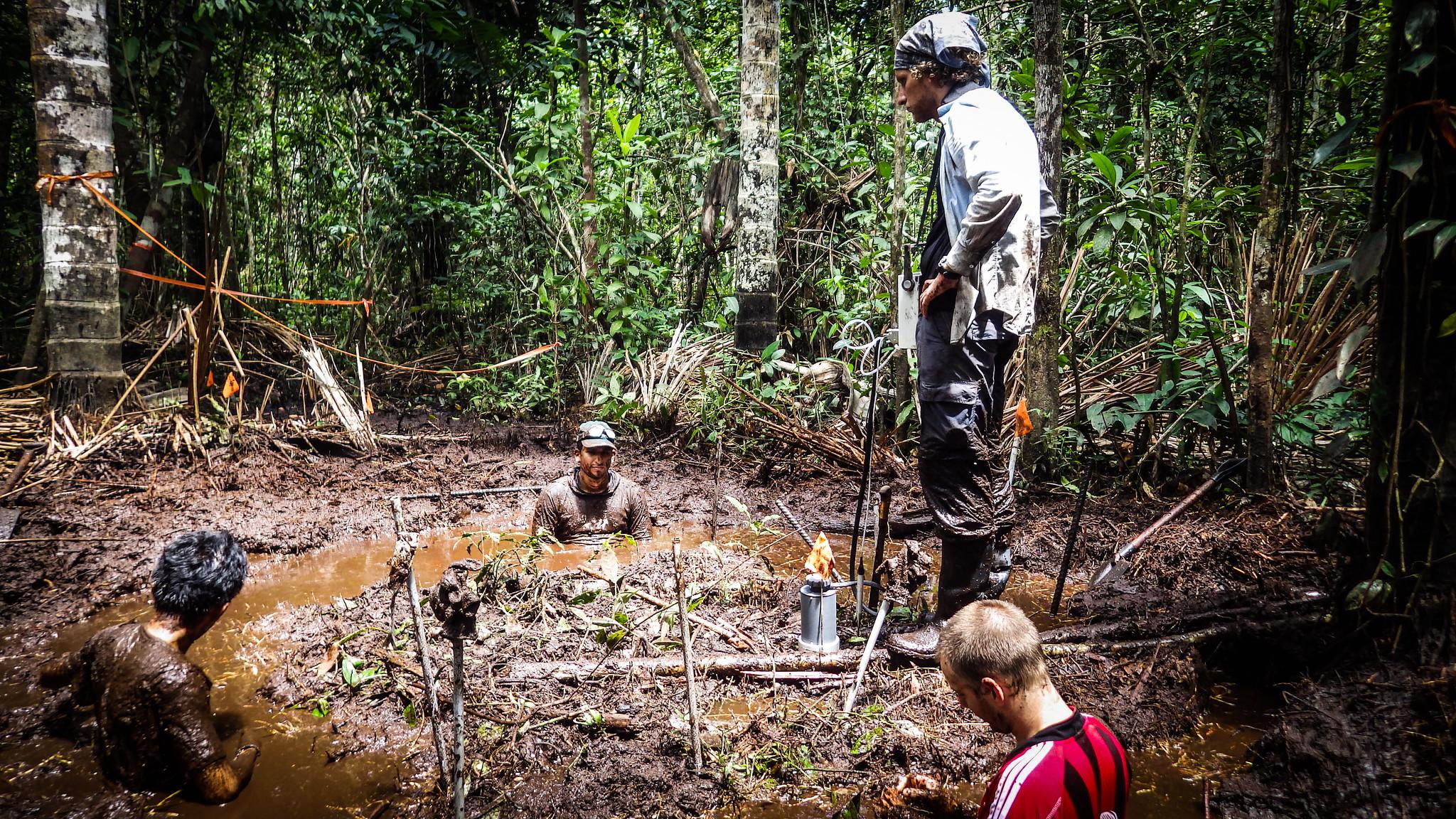 A team measuring peat degradation. Kristell Hergoualc'h, CIFOR